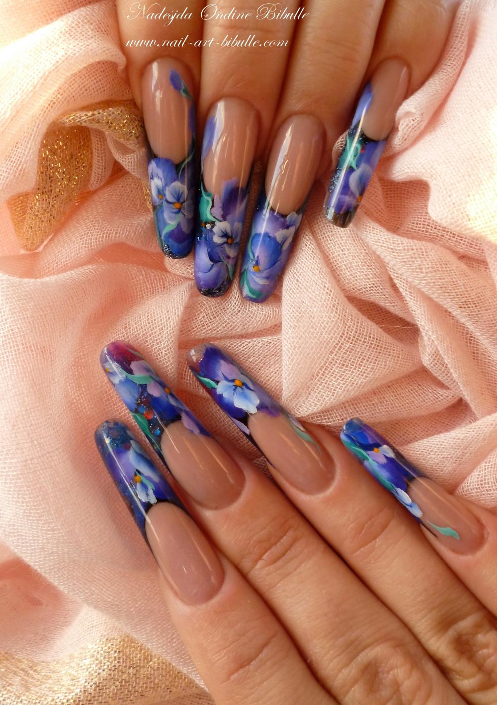Nail art - One stroke : tendres pensées... Ou les fleurs faciles qui ont l'air complexe...