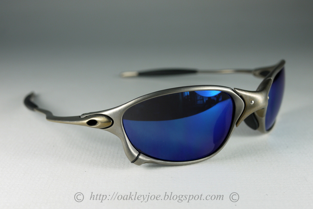 oakley x metal  04 144 x metal xx x metal + black iridium many thanks to mr r. for letting this added to personal collection. not for sale.
