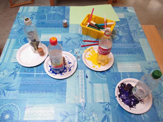 Margeriten, Gänseblümchen, usw. stempeln im Kindergarten