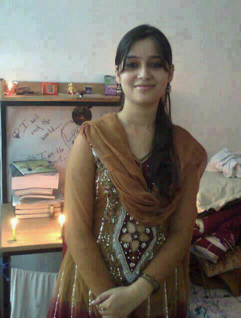 Paki Desi Karachi Girl Faiza Gul Mobile Number For Dating