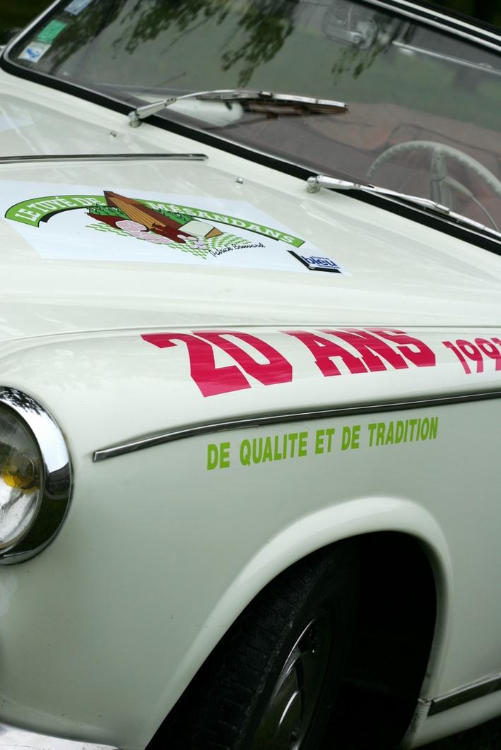 Jcd location des voitures d 39 exception au service de tous vos v nements octobre 2011 - Location voiture besancon ...