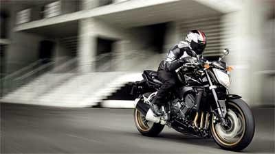 Yamaha Fazzer1