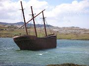 IMAGENES DE MALVINAS 2012 bas shipwreck
