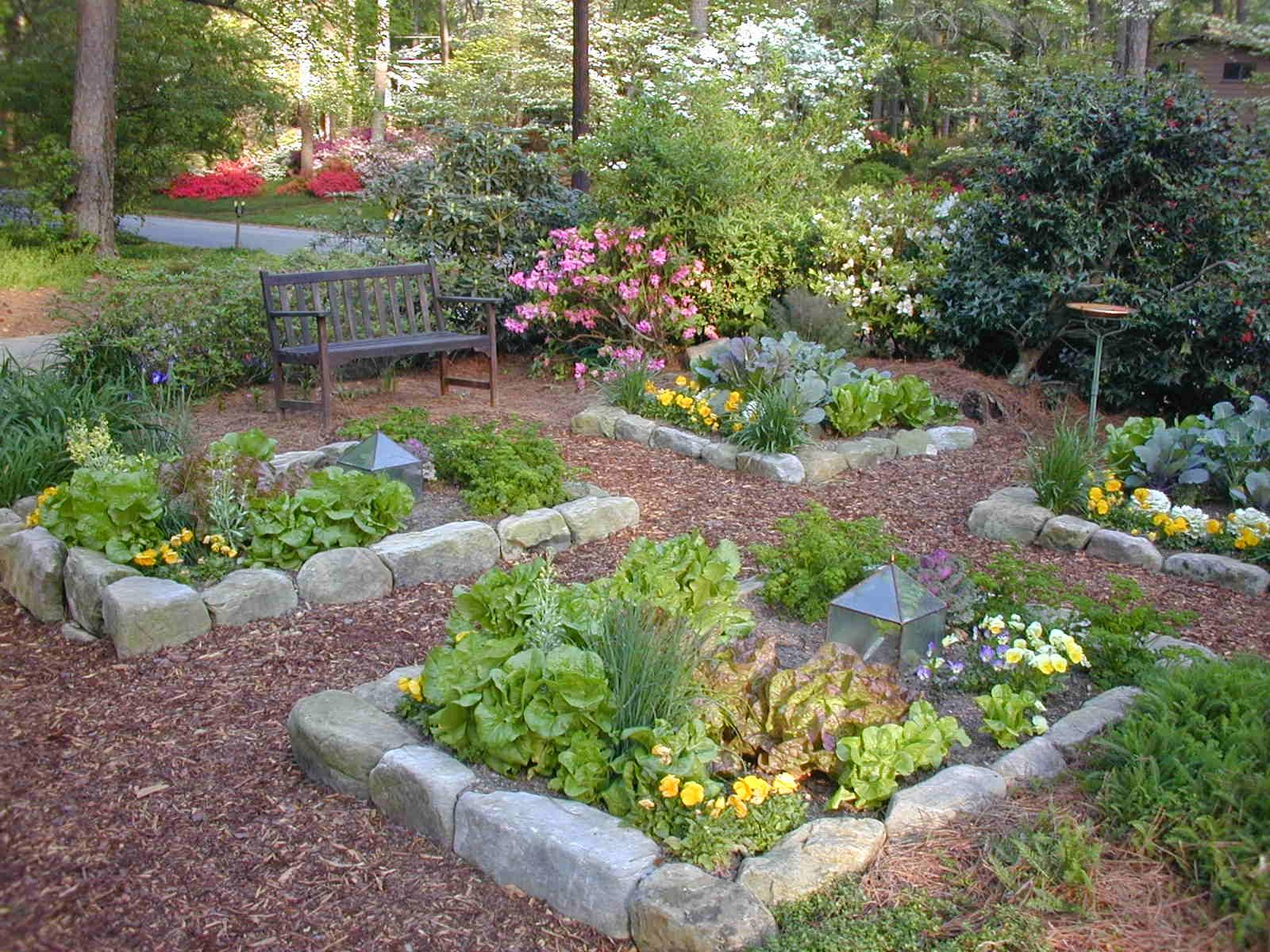 Residential landscape design information and tips for for Vegetable garden landscaping