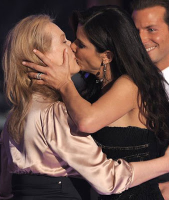 Actresses kissing actresses