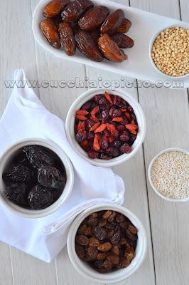 ingredientes bolo vegan de frutas secas com cenoura e especiarias