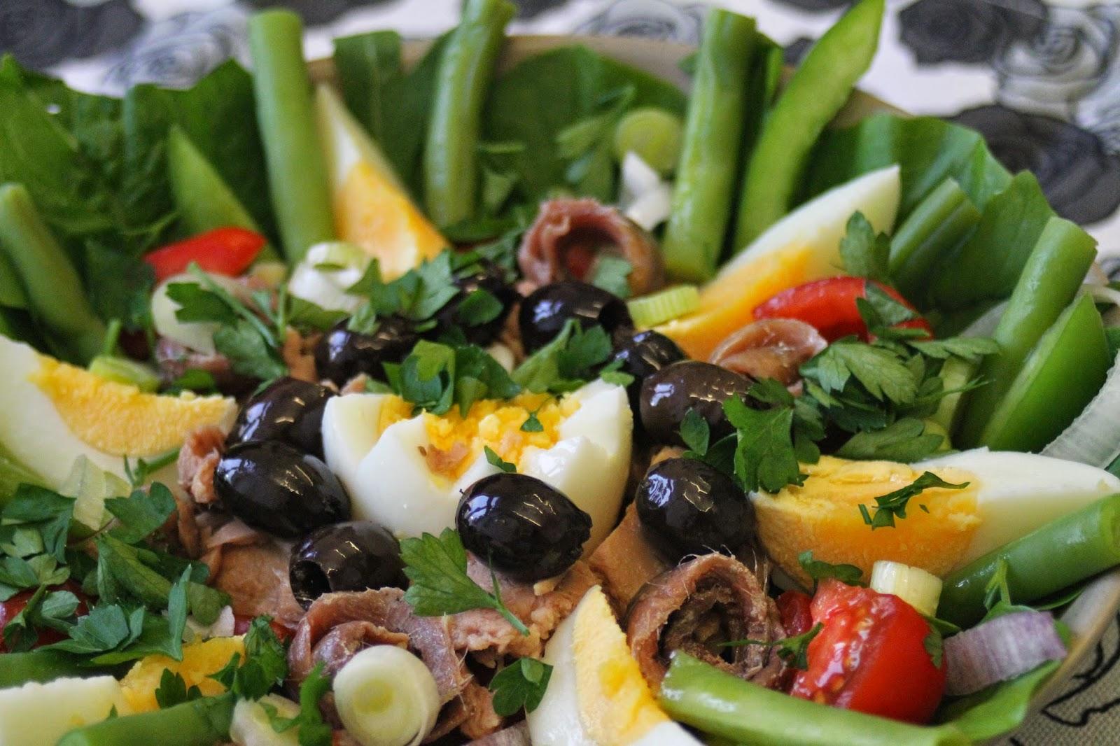 Salade Nicoise ja Nizzan salaatti - valitse näistä