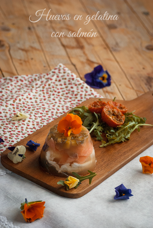 huevos-en-gelatina-con-salmón