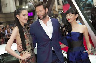 Hugh Jackman with his girl friends best wallpapers