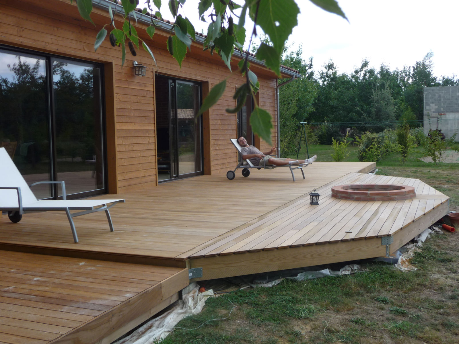 Construction d 39 une terrasse en bois photos d 39 ensemble - Construction d une terrasse ...