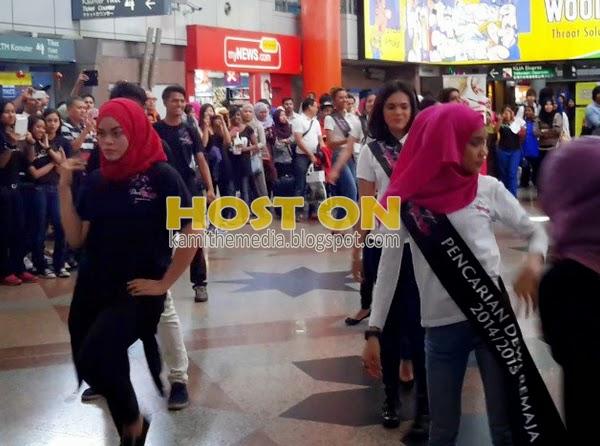 Aksi Dewi Remaja Tudung Berjoget Sakan Cetus Kontroversi