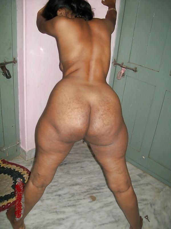 Chubby Indian Aunty