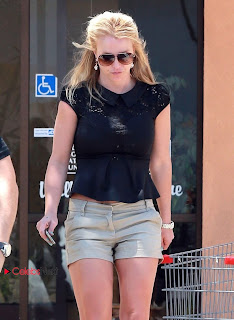 Britney Spears  Leggy Pictures Out in Thousand Oaks ~ Celebs Next