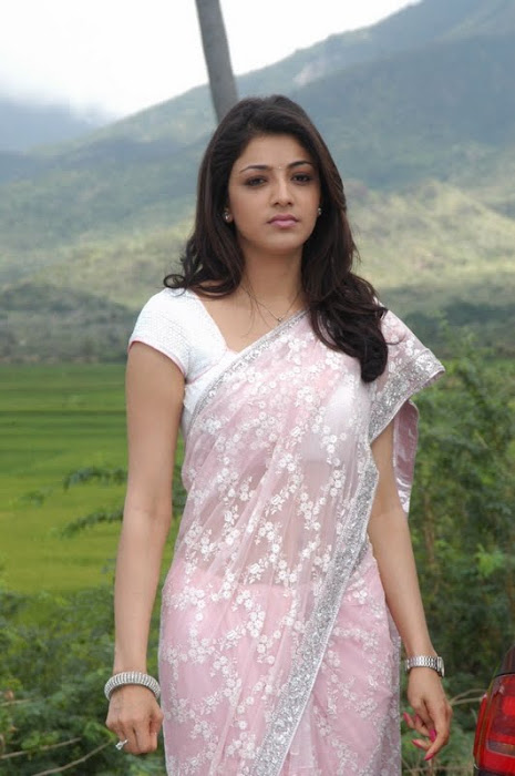 kajal agarwal looking in saree hot images