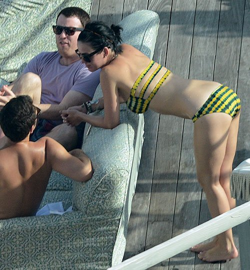 Bikini Clad Katy Perry's Hotel Rooftop Pool Hotness » Gossip | Katy Perry