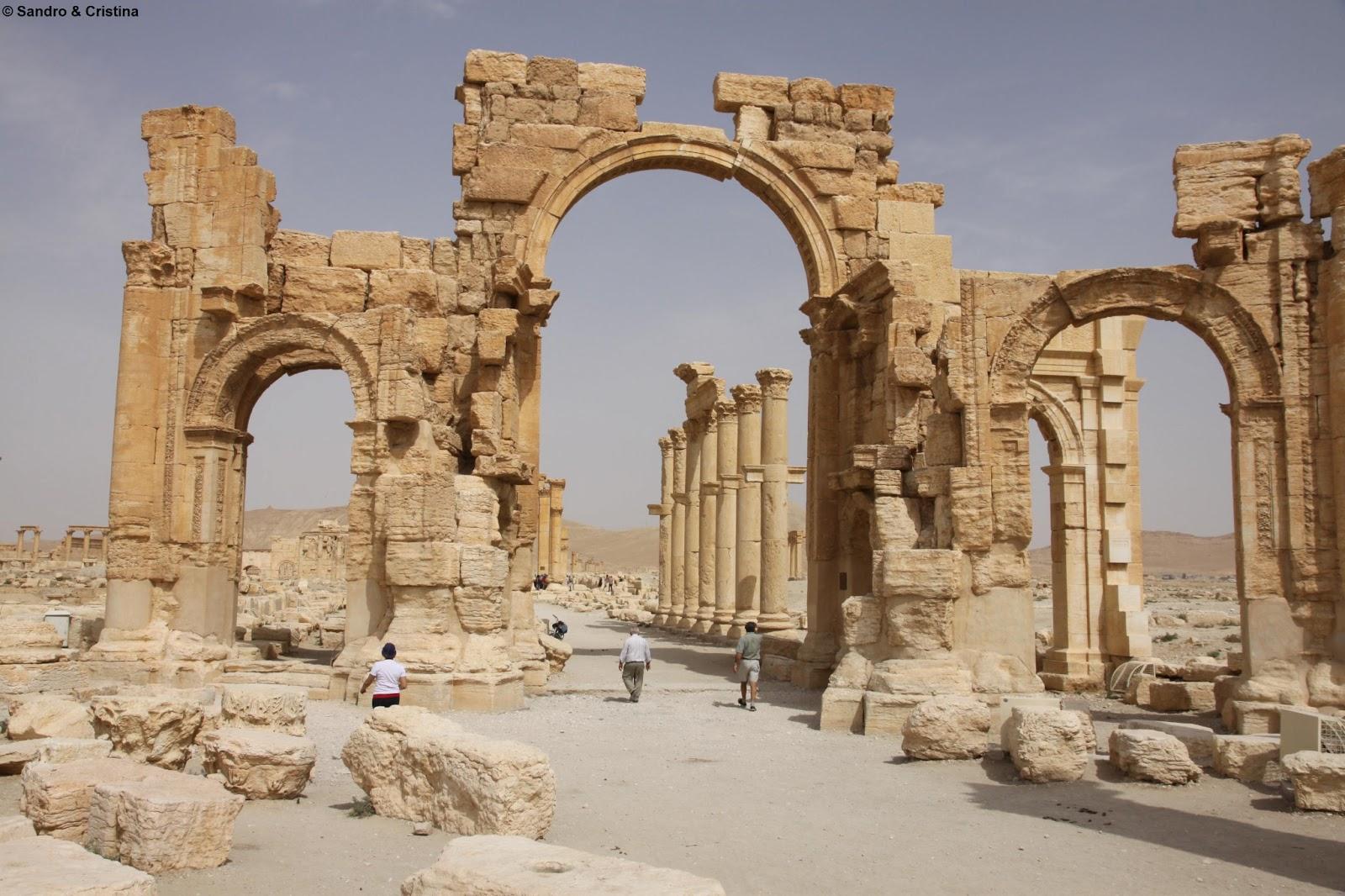 Sandro cristina siria palmira sito archeologico for Citta della siria che da nome a un pino