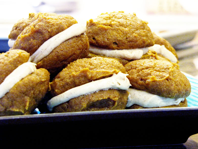 pumpkin whoopie pies with cinnamon cream cheese filling | Sweet Anna's