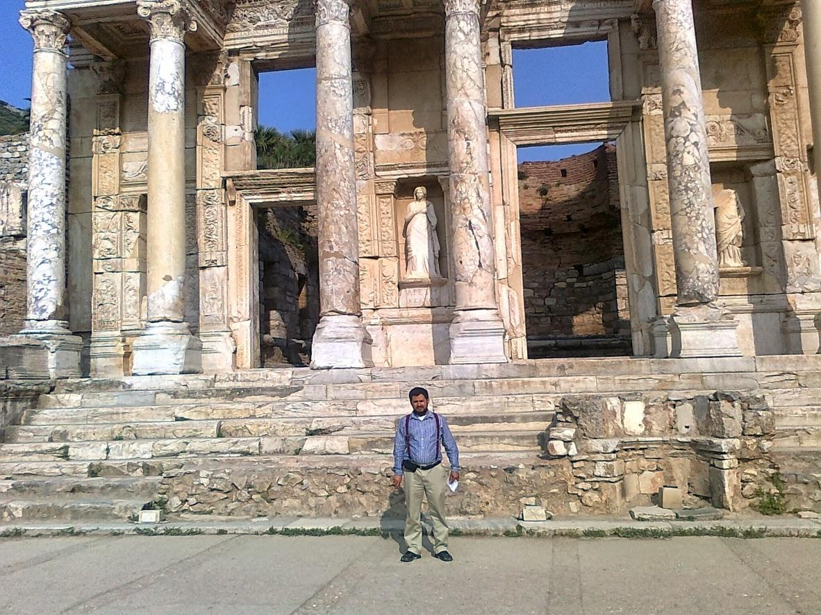 Prof. Cídio Lopes em Éfeso na Turquia