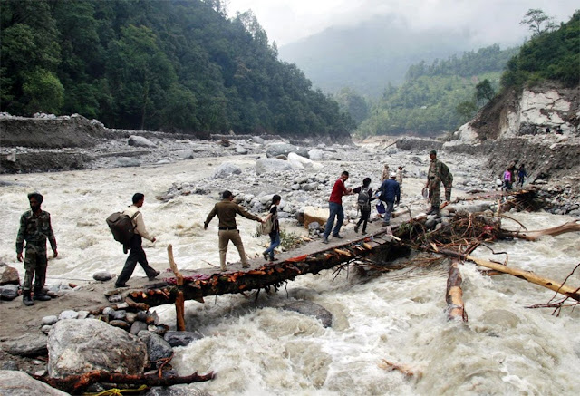 வெள்ள நிவாரணப் பணிகள்-கேதர்நாத்..படங்கள் இணைப்பு Floods.+Rescue+32.