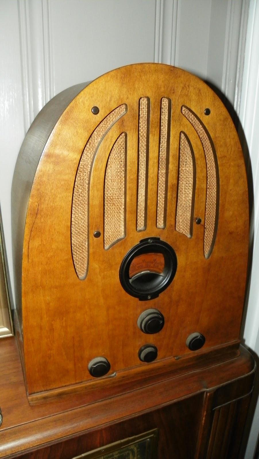 underdog 39 s utterings vintage radio collection. Black Bedroom Furniture Sets. Home Design Ideas