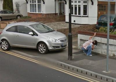 Esse Street View anda muito safadinho