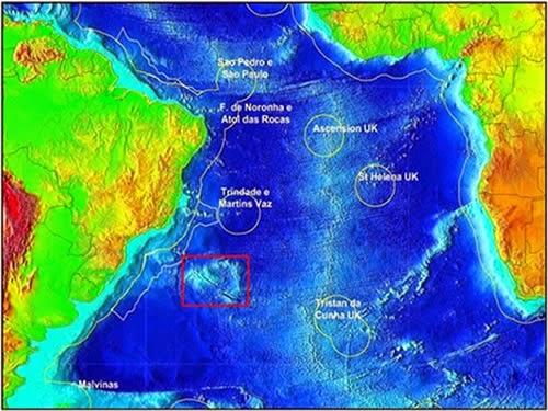 Elevação do Rio Grande (destaque em vermelho). Imagem cortesia da Marinha do Brasil