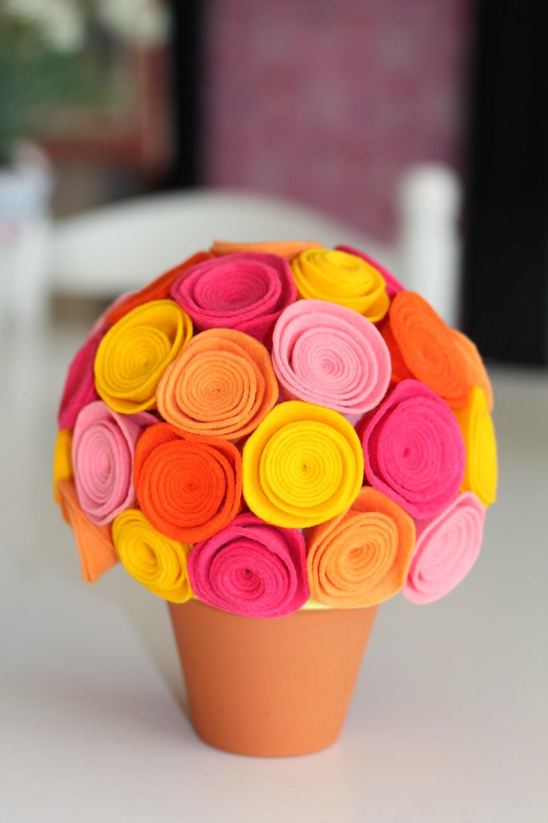 Mi hogar de patchwork maceta con flores de fieltro - Flores de maceta ...
