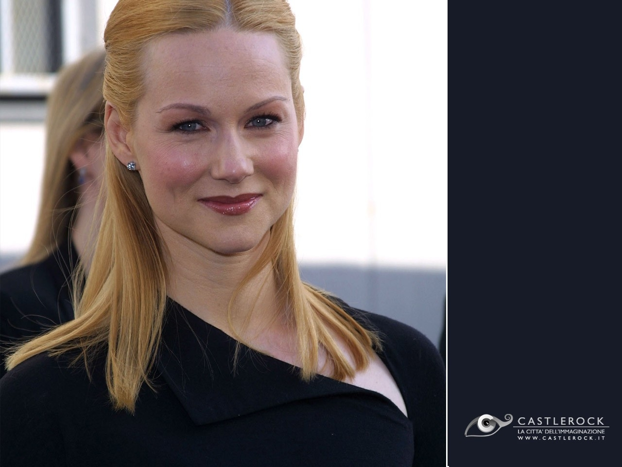 The Gallery For Gt Laura Linney Hot