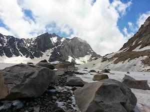 علم کوه با عظمت