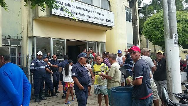 http://www.blogdofelipeandrade.com.br/2015/09/imagem-em-destaque-funcionarios-da-pmg.html