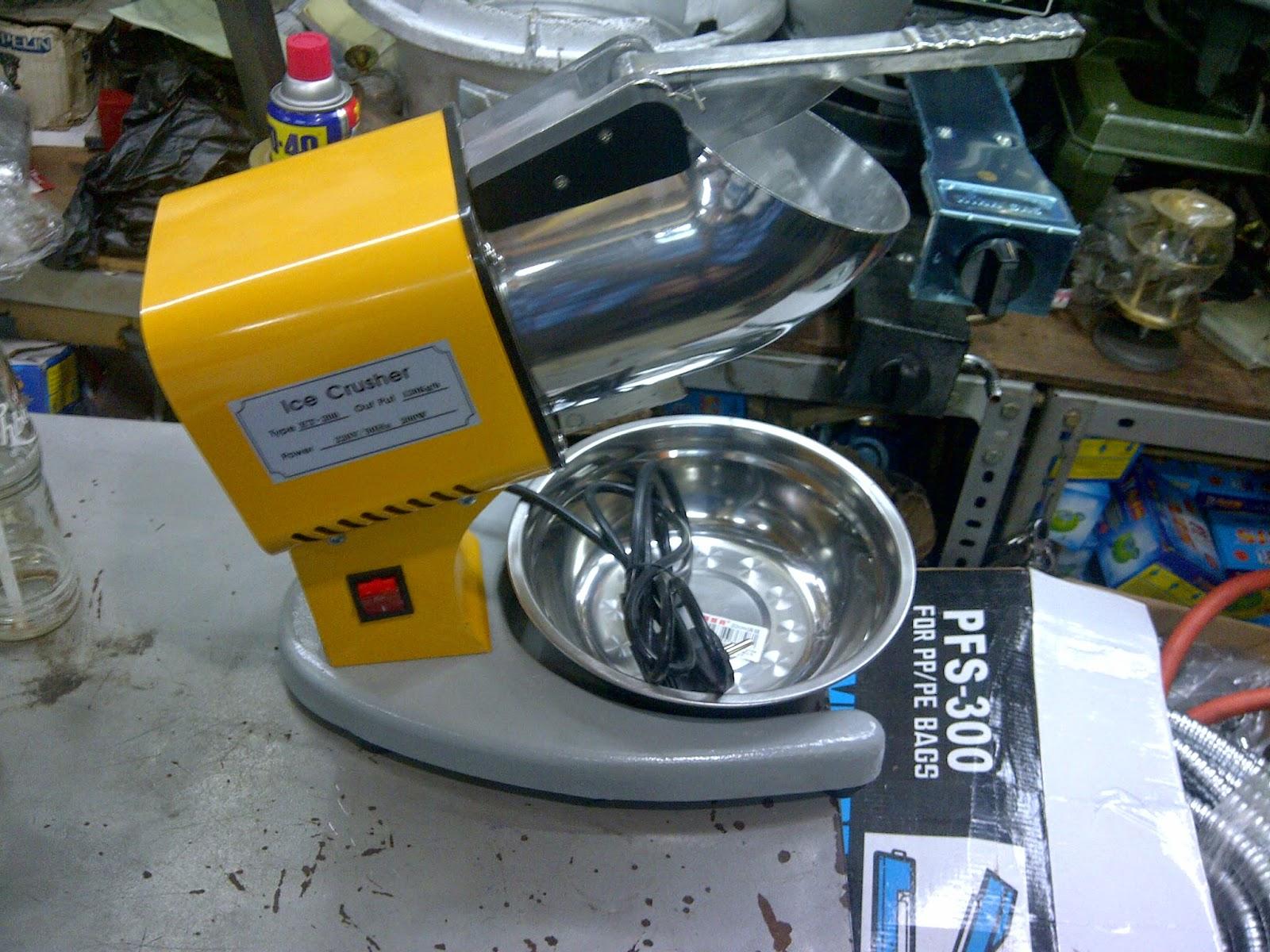 serutan es campur manual pisau baja dan kayu jati pilihan