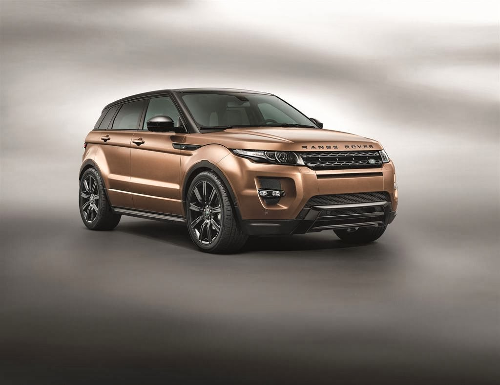 New range rover evoque video with mercedes benz flag for Mercedes benz rover