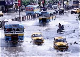 Heavy rains lash Kolkata