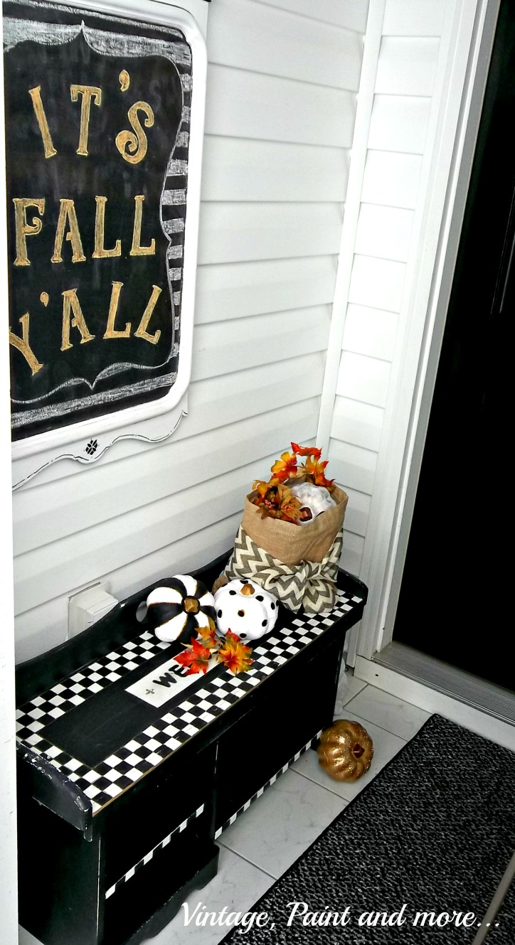 Vintage Paint and more... vintage fall entry done with black and white geometric design