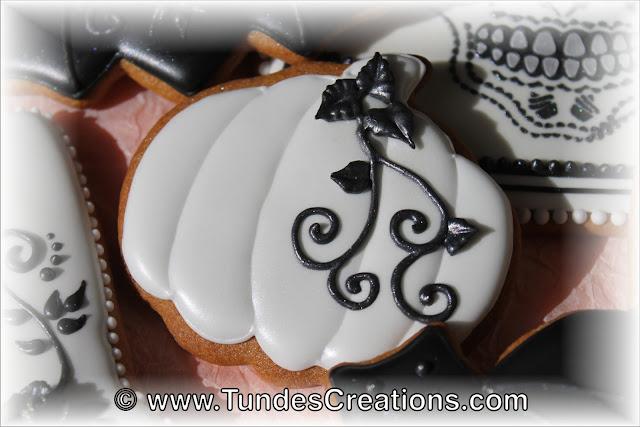 Elegant Halloween cookies by Tunde Dugantsi