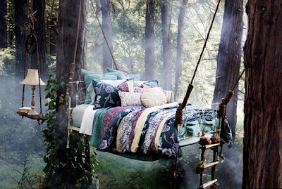 "hangingtreebed - Tree Houses for ""Grown-ups"""