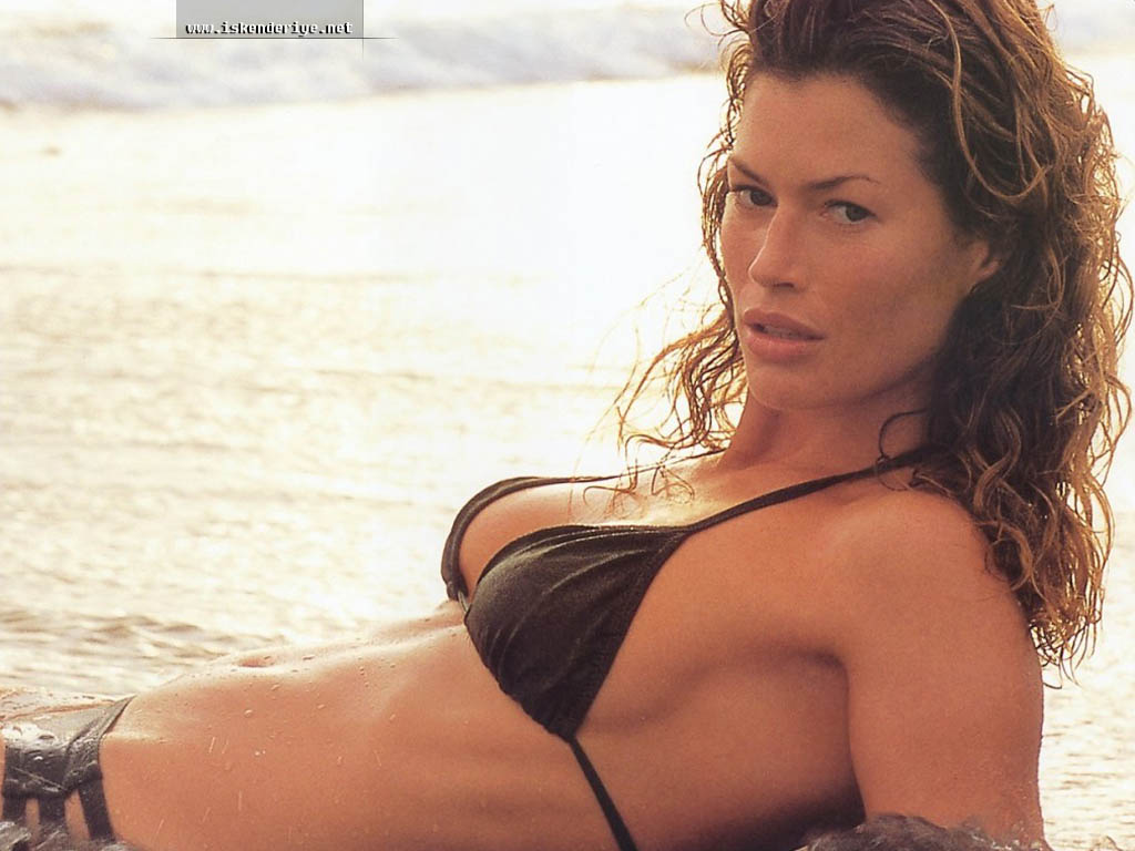 Carrie Otis Plus Size Model http://whoyouis.blogspot.com/2011/05/who-is-carre-otis.html
