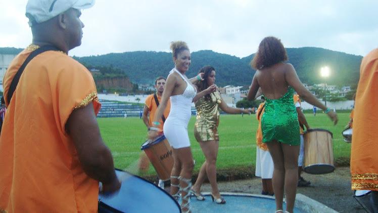 Adriana Ferreira  Balneario Camboriu Jogo das estrelas;  drumming and Dancing for Mirin Doce City
