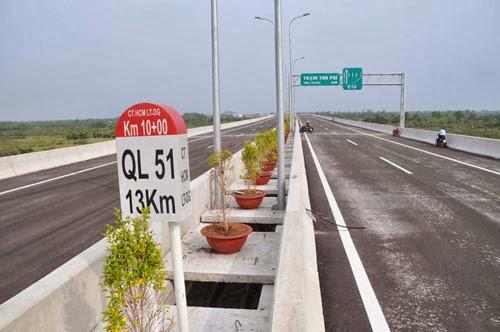 Thông xe đoạn đường cao tốc TP.HCM – Long Thành: Vì sao chưa cho xe trên 10 tấn trở lên lưu thông ?