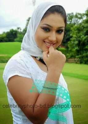 Bangladeshi Sexy Model Apu Biswas hot photo With Short Biography