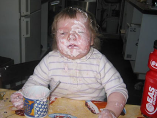 funny picture: child loves ice cream