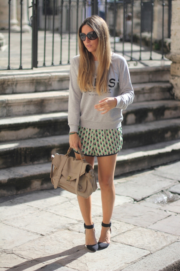 Sports Luxe Outfit with sweater and tribal shorts by fashion blogger Mónica Sors