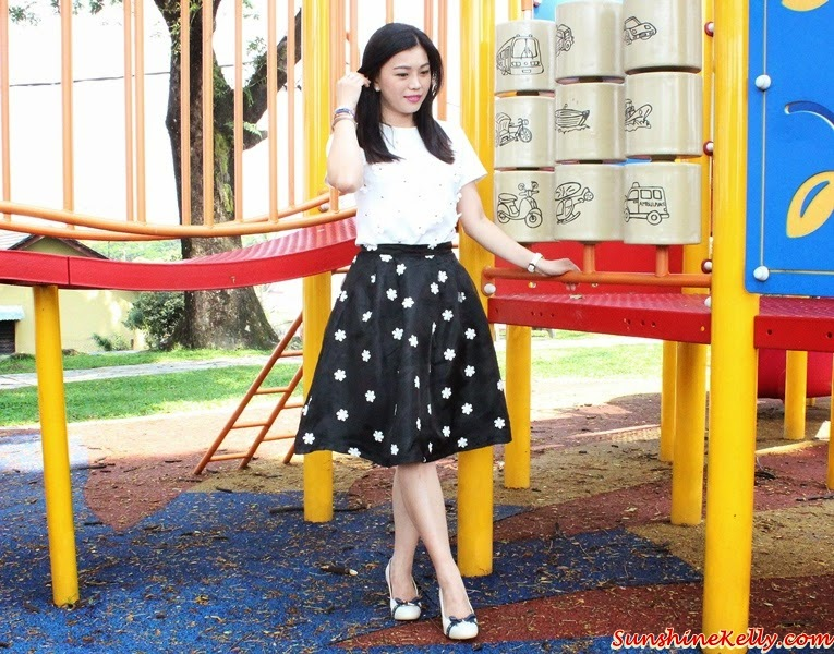 Lookbook, Smart Casual Corporate Look, Corshacomo, Dandelion Premier Set, Carlo Rino, NU Watch, ootd, dandelion blouse, organza snowflakes midi skirt