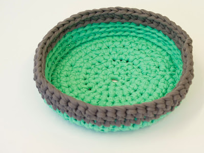 Green Grey Crochet bowl 02 by welaughindoors