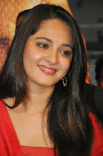 Anushka at rudramadevi trailer launch-thumbnail-17