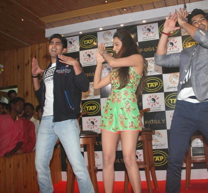 'Fugly' Film Actress Kiara Advani Latest Hot Pics While Promotion of her Film 'Fugly'