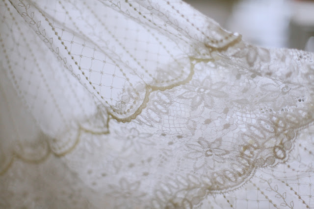 vintage lace wedding dress melbourne