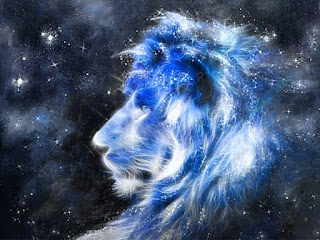 Cabeza de león en el espacio (signo de Leo)