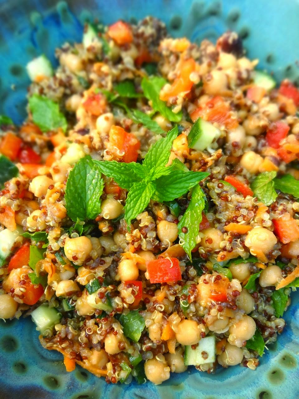 Moroccan Quinoa Salad with Chickpeas