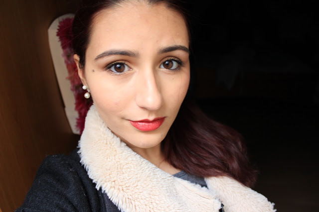 http://somerandomthoughtsandthings.blogspot.pt/2015/12/new-years-makeup.html